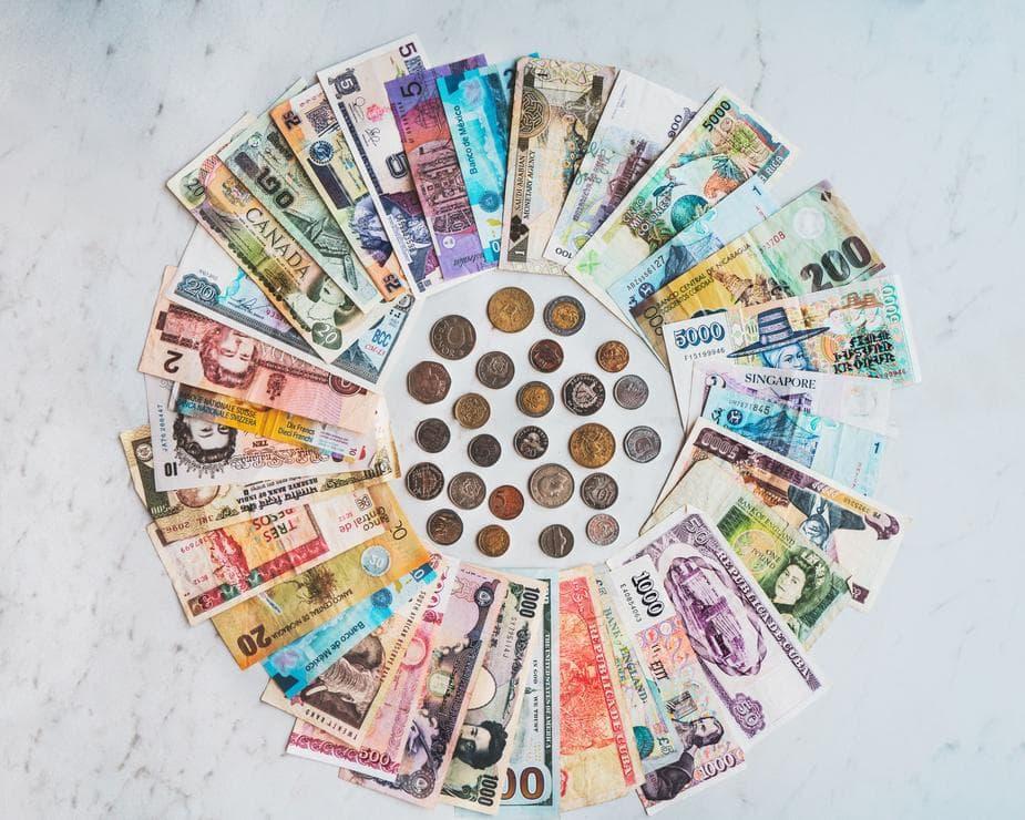 international-money_925x-min.jpg